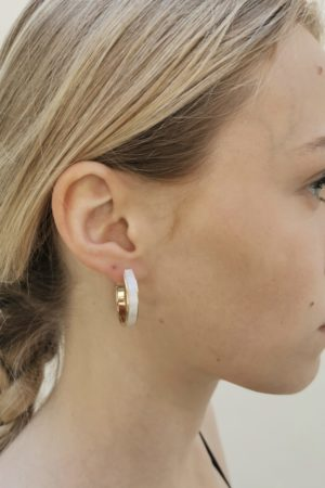 Boucles d'oreilles demi-créoles dorées nacrées